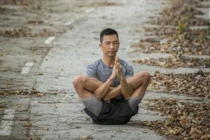 Derek Cheong 减压治疗/瑜伽/身体功能训练/运动与健身指导/ CaregiverAsia:立即预订